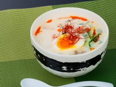 雪国のミルク冷麺